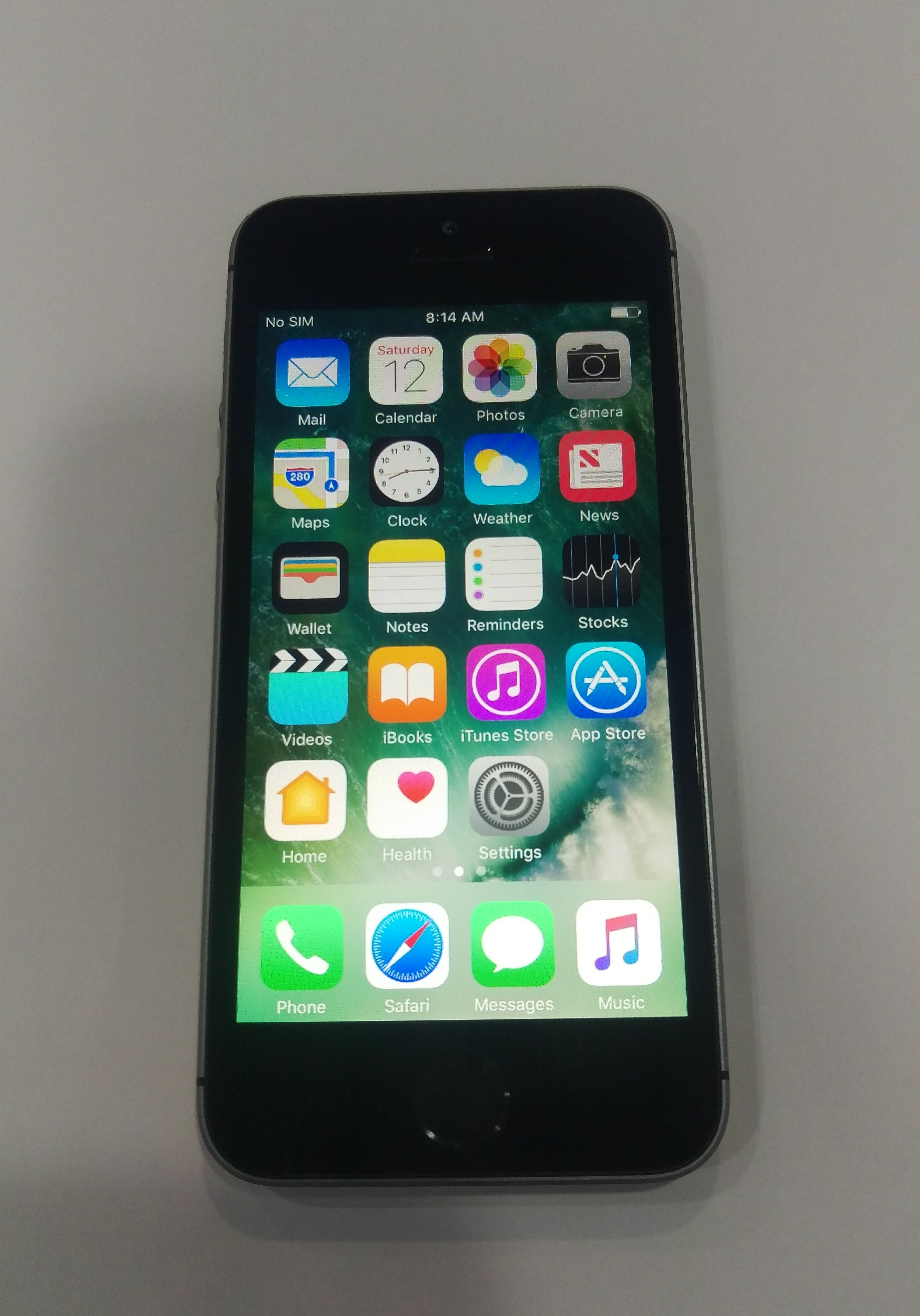 IPhone5s 16 GB with Face Time