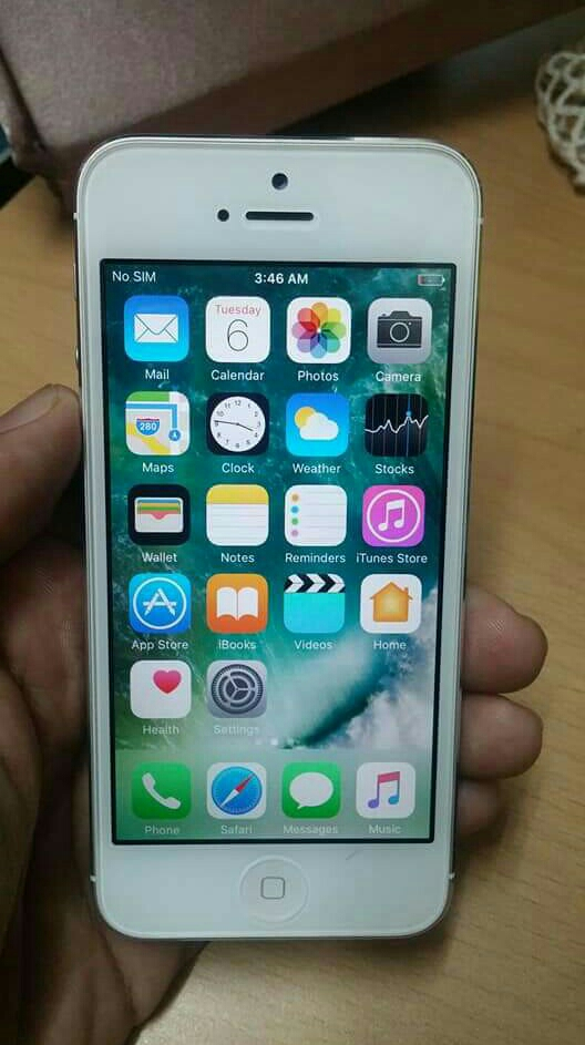 Iphone5  32GB Used not With any Accessories