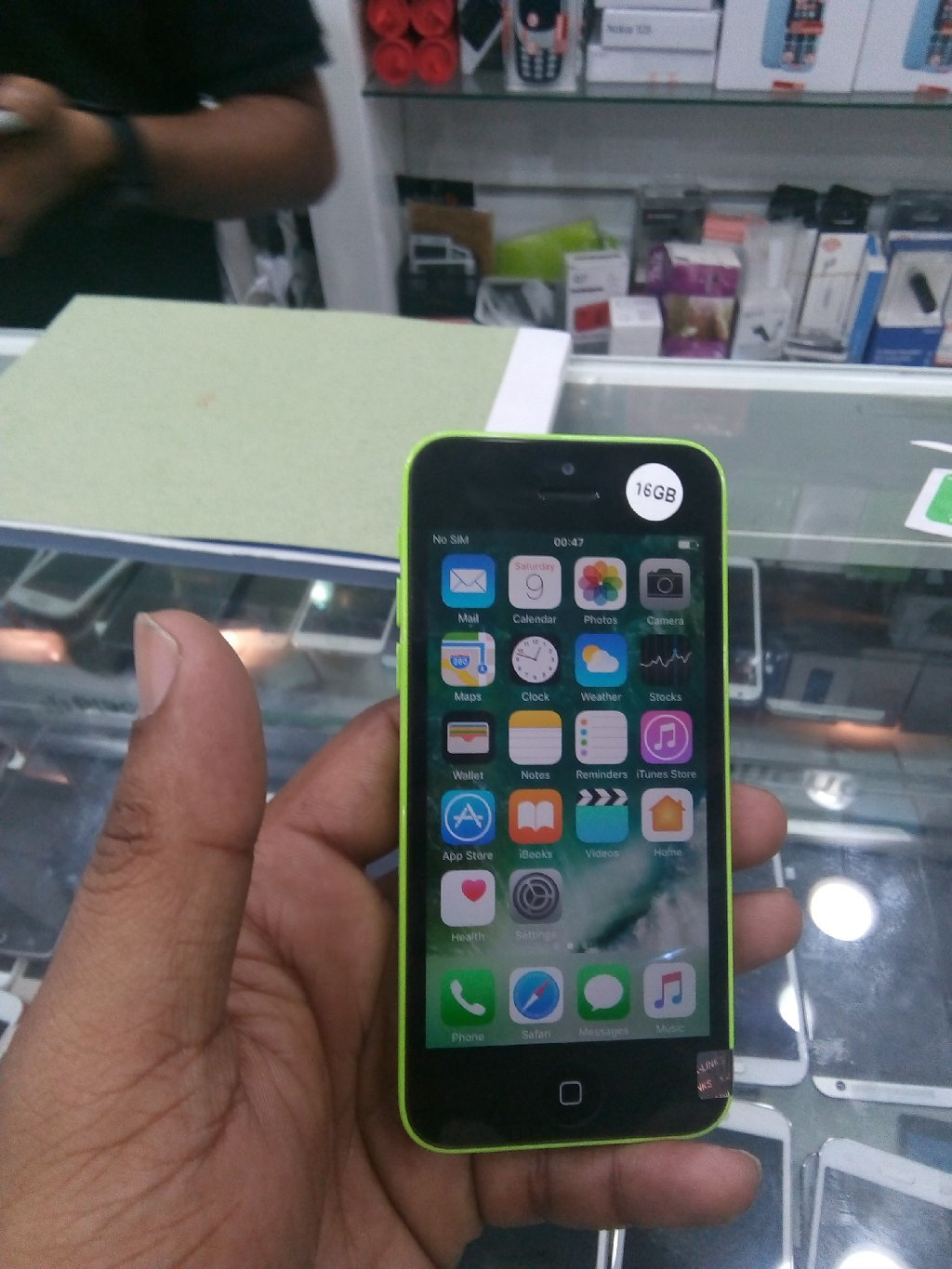 Iphone 5c used 16 gb  only mobile
