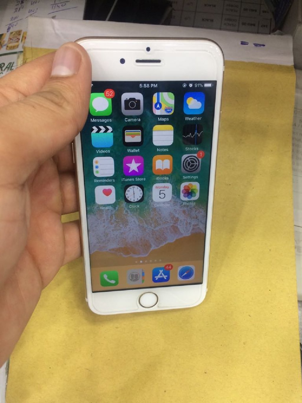 Very clean iPhone 6s