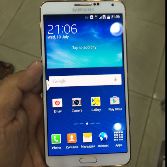 samsung note 3. white very good condition. no any scratch