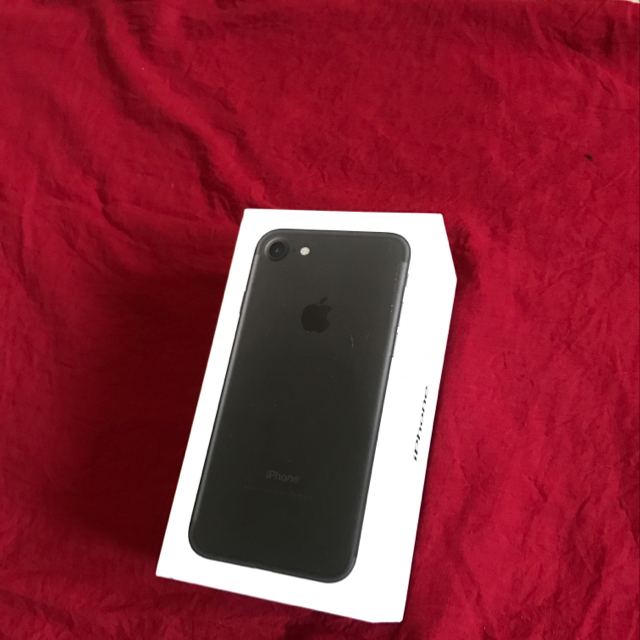 Apple Iphone 7, 32gb. Black Color. New. Open Box. Not Used. Unwanted Gift.
