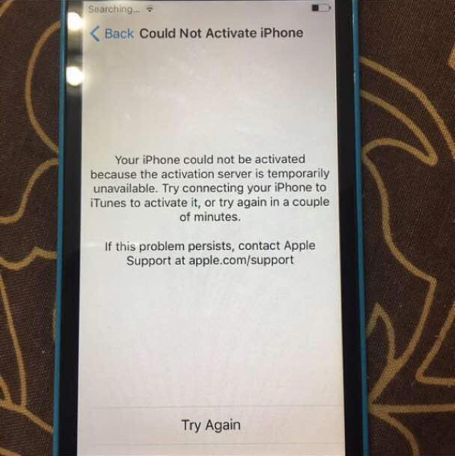 iPhone 5c Server Problem Can Be Fix The Mobile Is In Good Condition