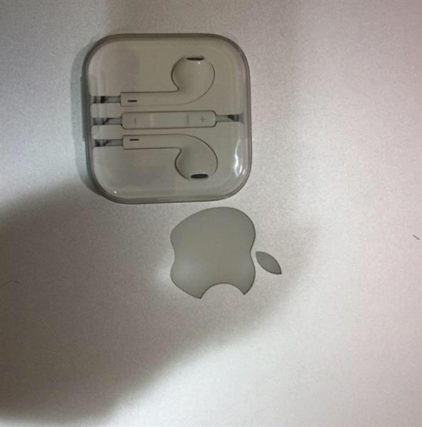 Selling Apple Earphone.