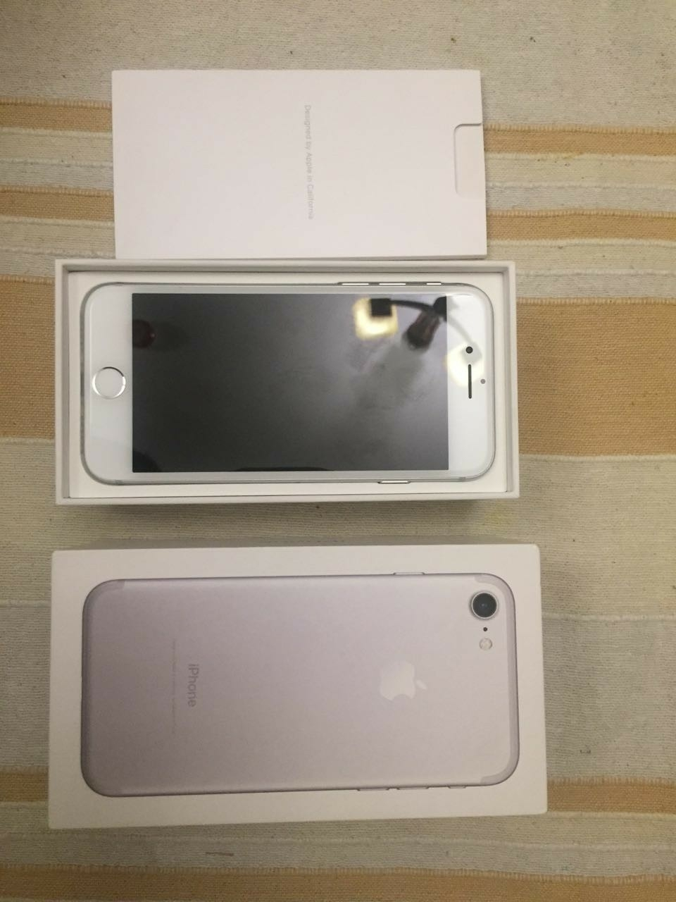 Iphone 7 32GB silver warranty with box and all accessories. 8 months warranty
