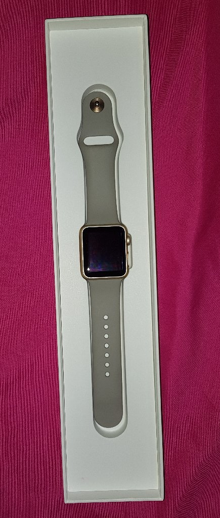 38mm apple I watch in very good conditio