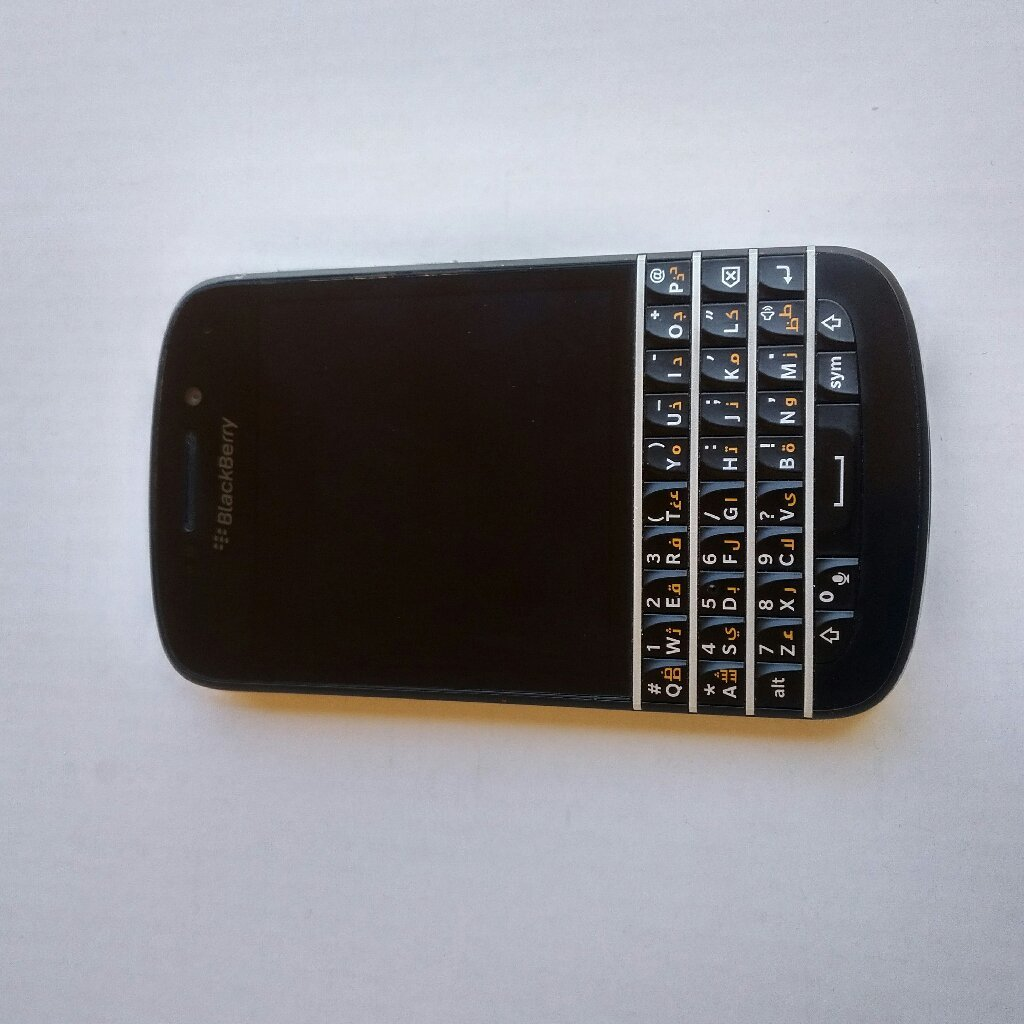 Blackberry Q10 used without box