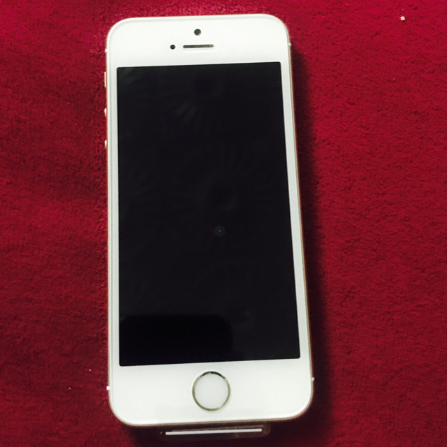iphone 5s. 32GB. GOLDEN