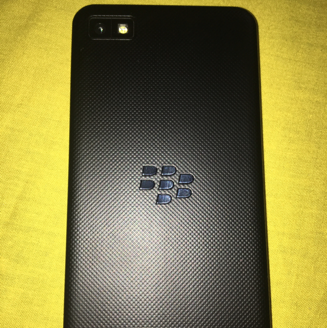 BlackberryZ10 10/9 Condition Only Mobile No Box And Accessories