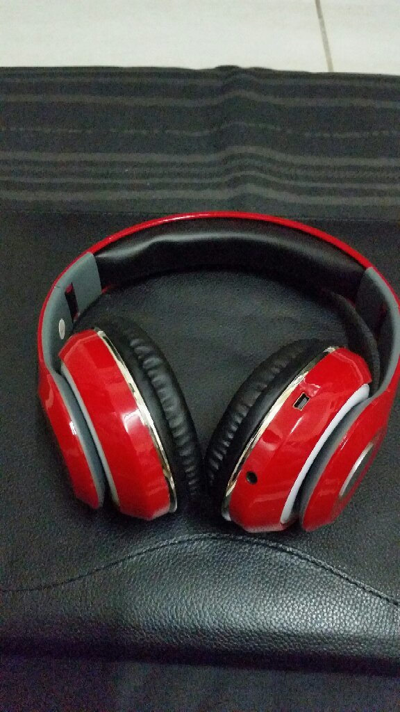 Blutooth Headphone STN-13 New Pack Red.