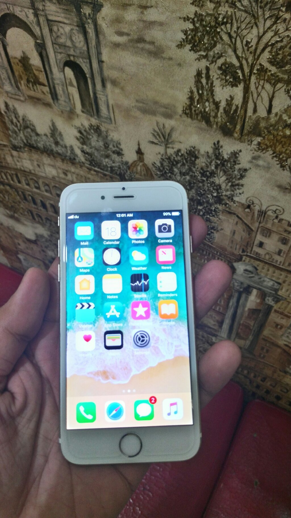 Iphone 6s..16 gb.white gold color...