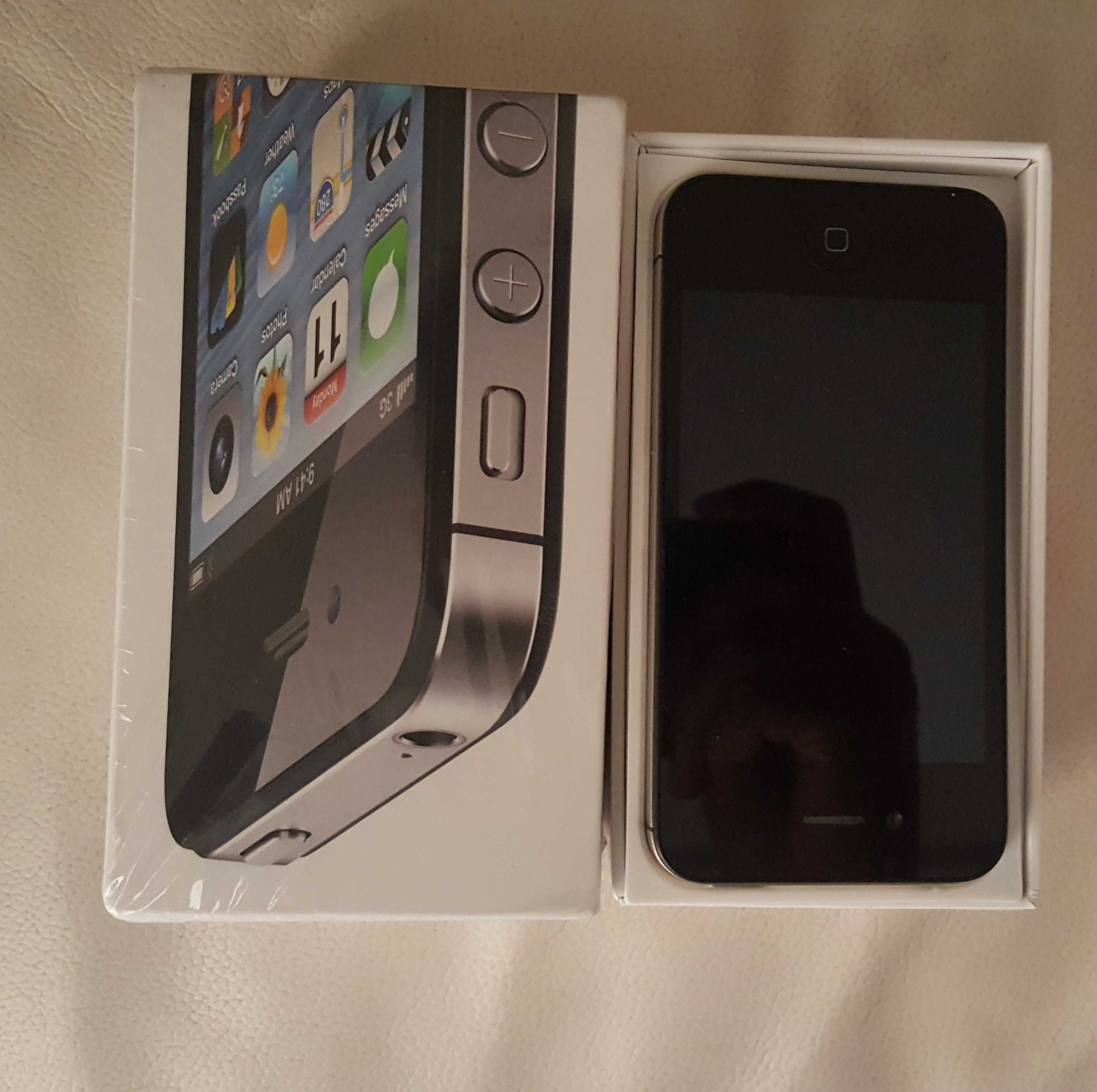 Iphone 4s Black  Full Box