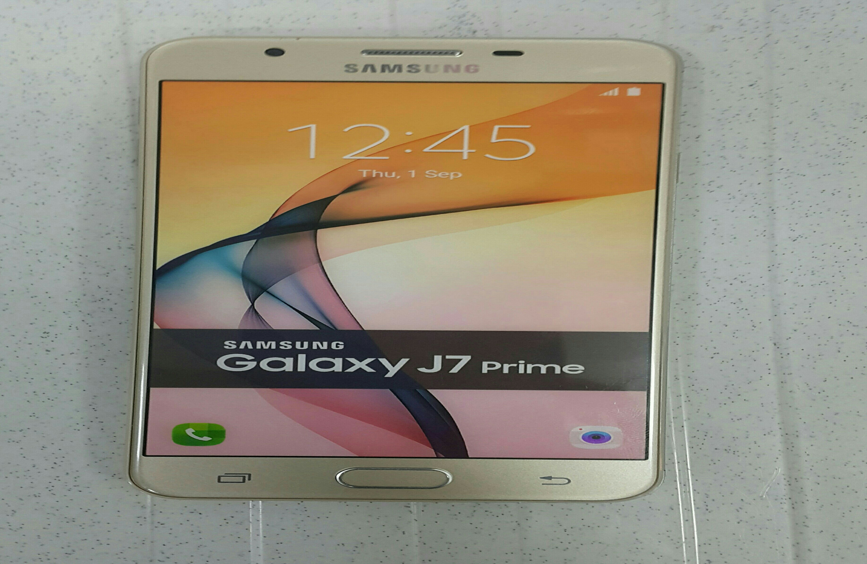 Samsung Galaxy. Used only one Month.