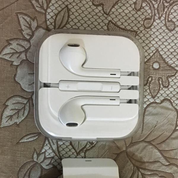 Iphone Earpod And Sound Cable, Used Few Days Only