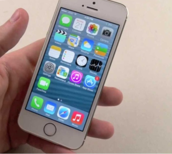 I phone 5s 64gb with charger
