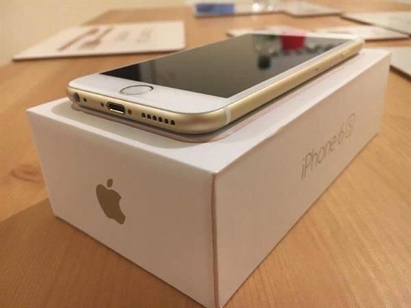 Apple Iphone 6s 64 Gb With Box Little Scratch Near Camera Not Noticable