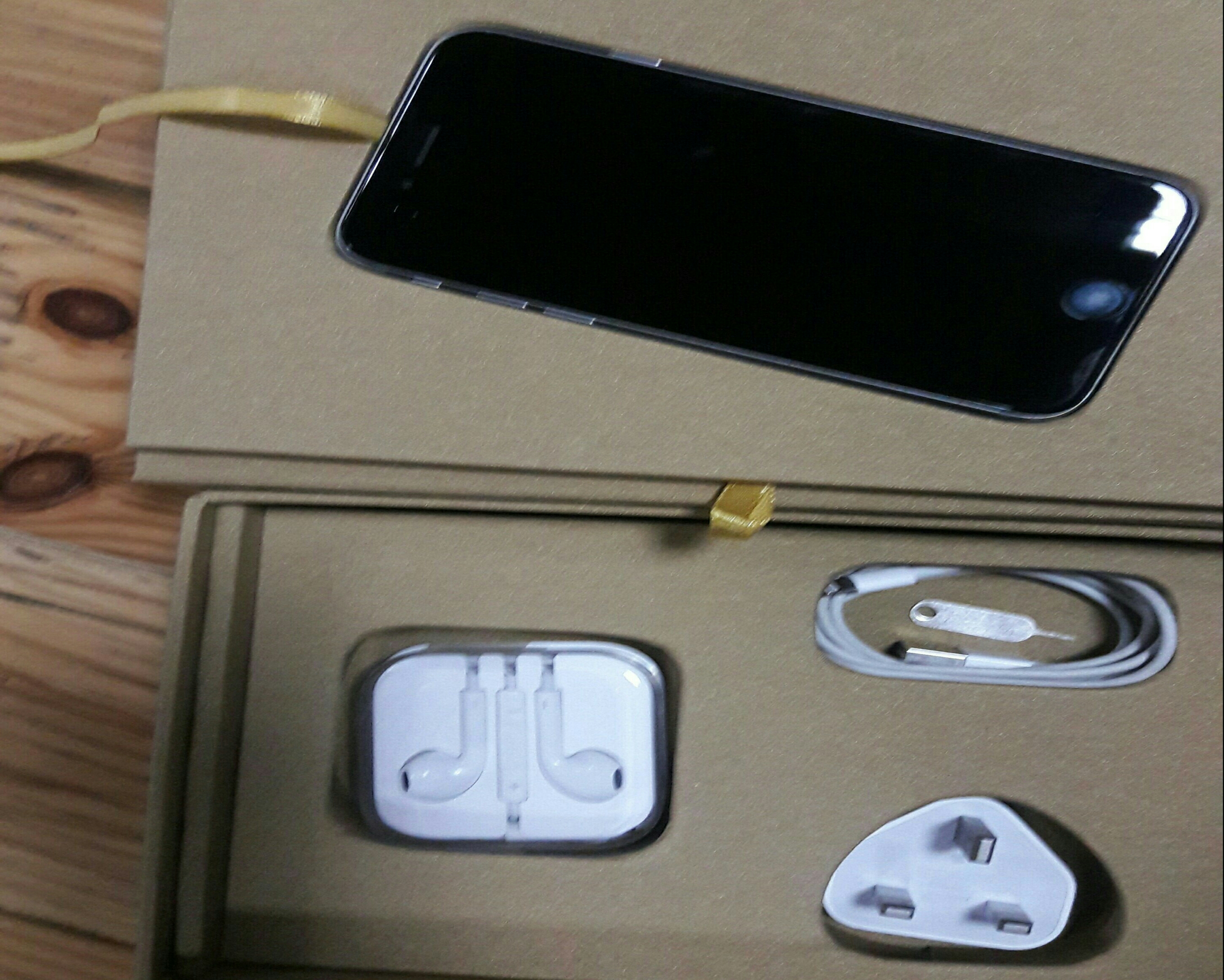 Iphone 6 16 Gb With Vip Box. Condition 10/10 6 months Used.