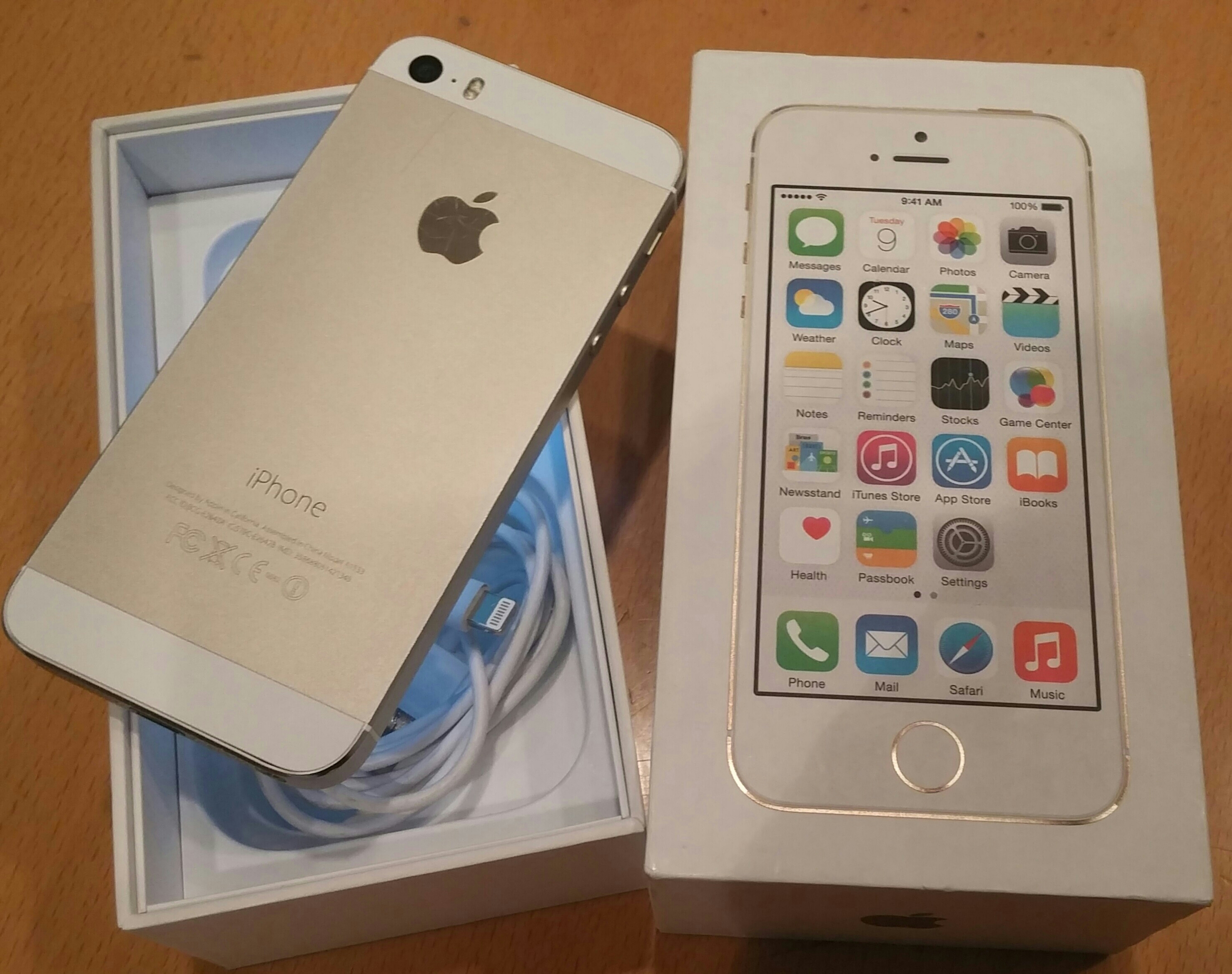 Iphone 5s Gold With Box