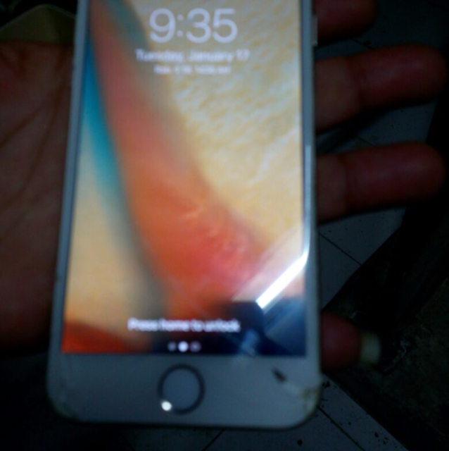 IPhone 6 64gb Cracked Screen Touch Working Perfectly And Iphone 5 16gb Both Mobiles With Box And Full Accessories