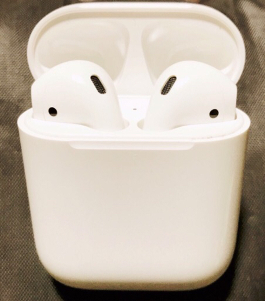 Apple AirPods  sale
