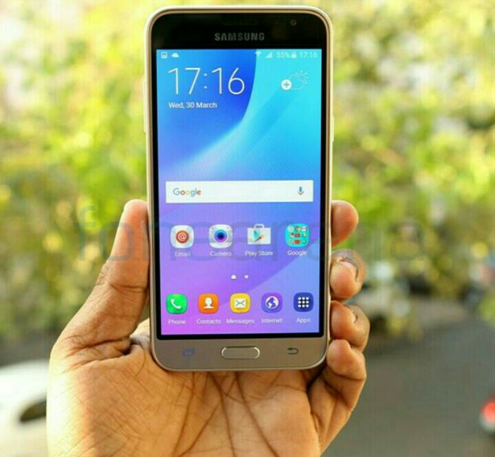 Samsung J3 Duas very neat n clean piece n its new with all box n accesories