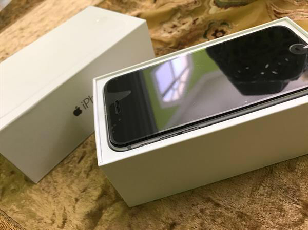 iPhone 6 Used Good 16 GB- Without Anything Only Box And Accessories- 1 Year Used