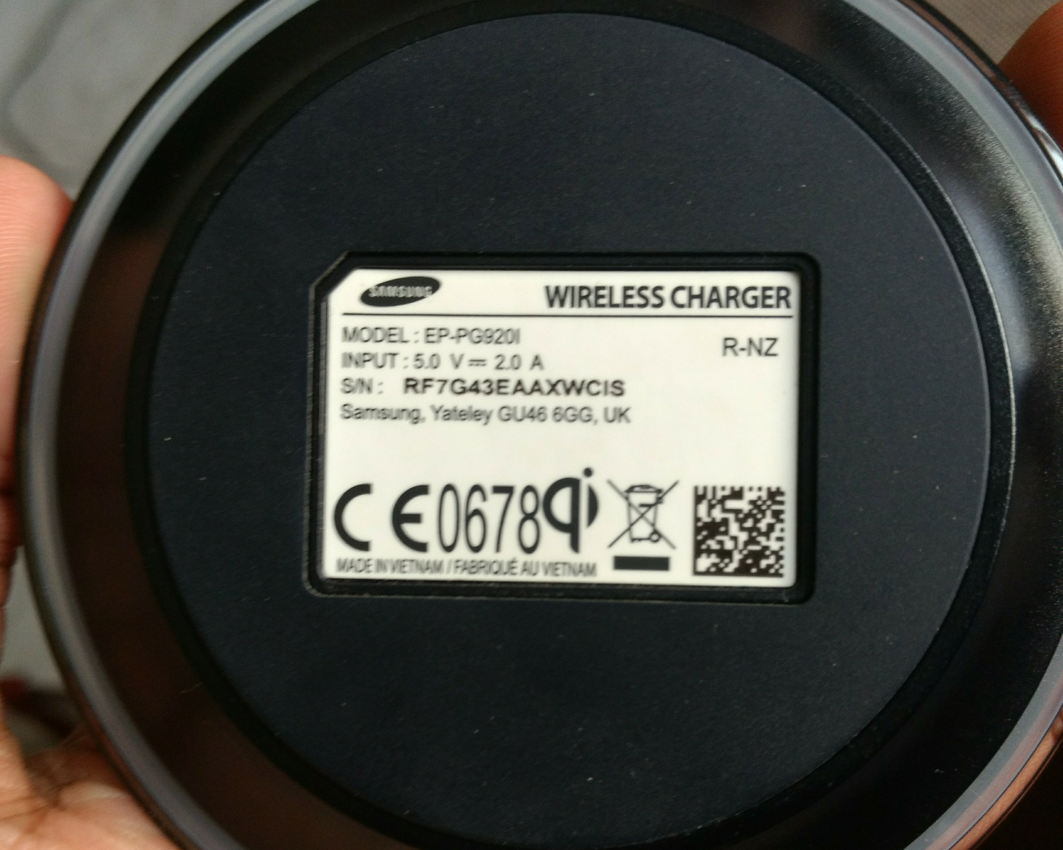 Samsung portable Charger. With box , 1 Month Used. Working Properly.