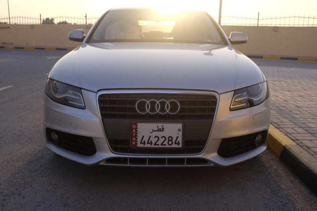 Audi A4 مع رقم السياره With License Plate