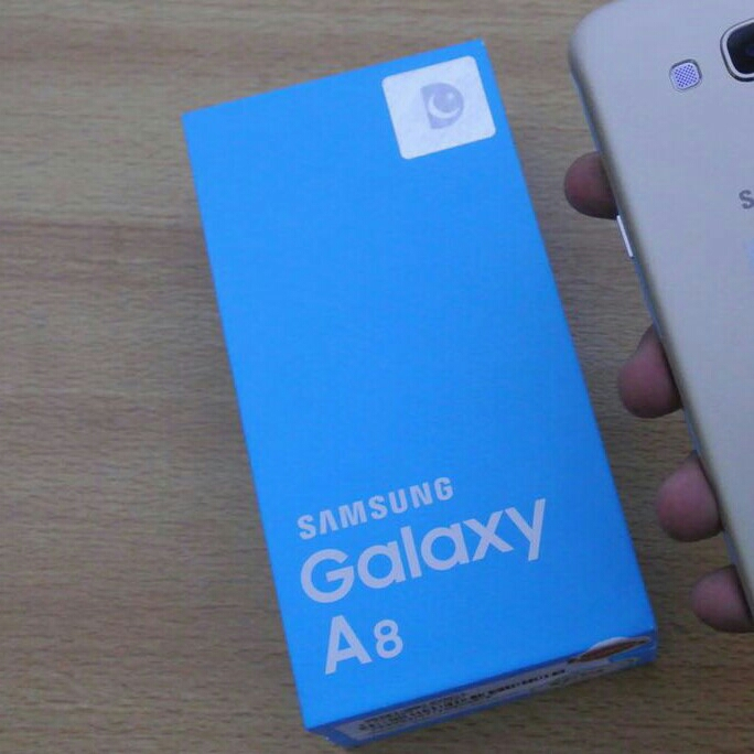 samsung a8 2 month use goodcondition