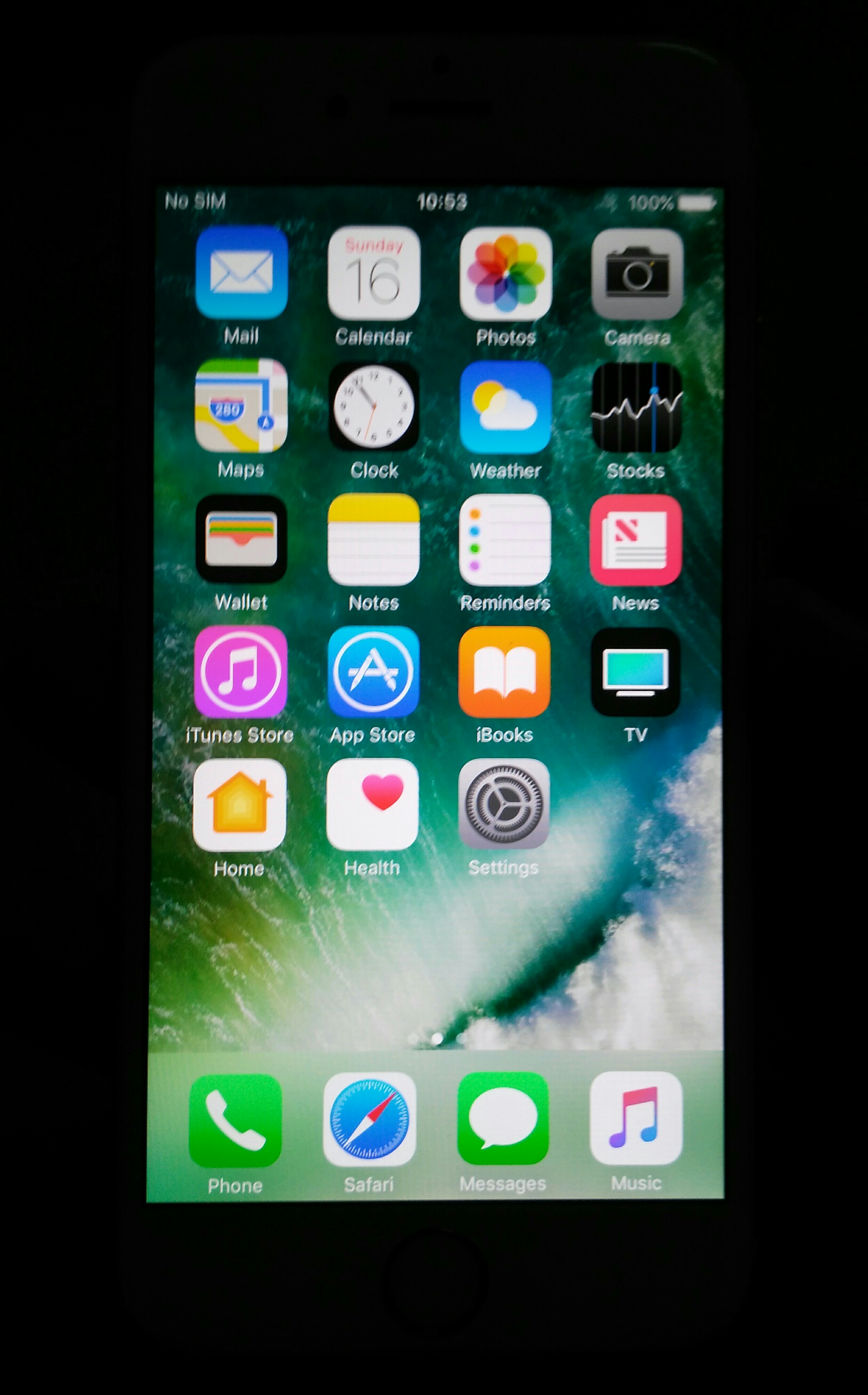 IPhone 6  16 Gb Gray Look Like New No Accessories