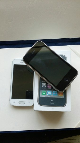 I phone 3gs and jSamsung