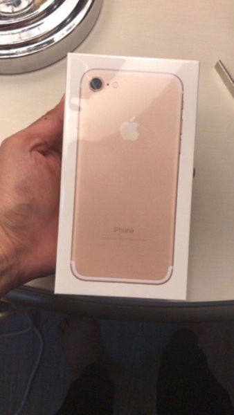 Iphone 7 128 Gb Gold color brand new