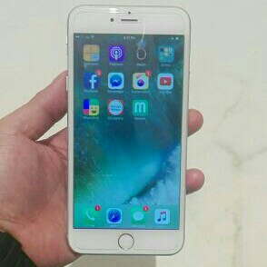 I phone 6 16gb silver 3 to 4 month use only