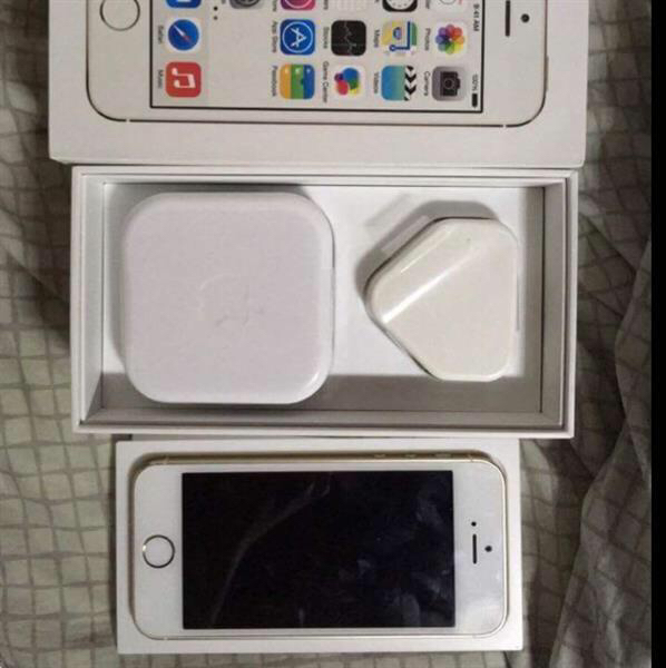 Iphone 5s 64gb with Complete Accessories