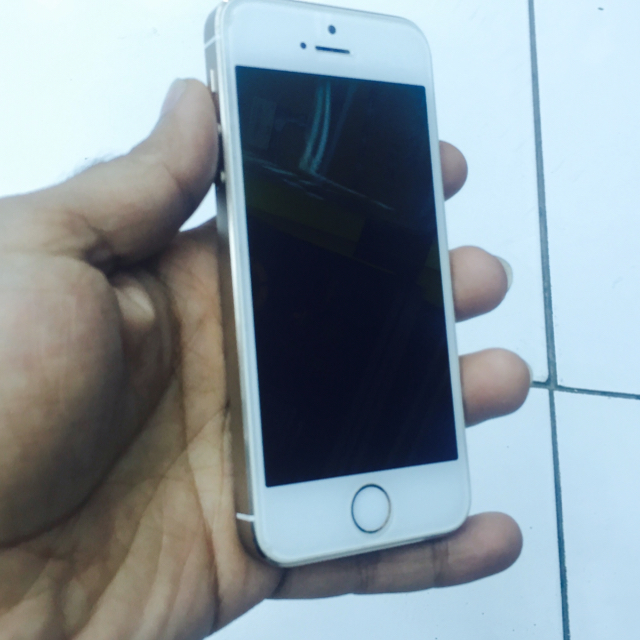 Iphone 5s 16GB Gold used