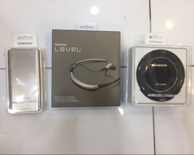 Samsung Level u-wireless charger-power bank