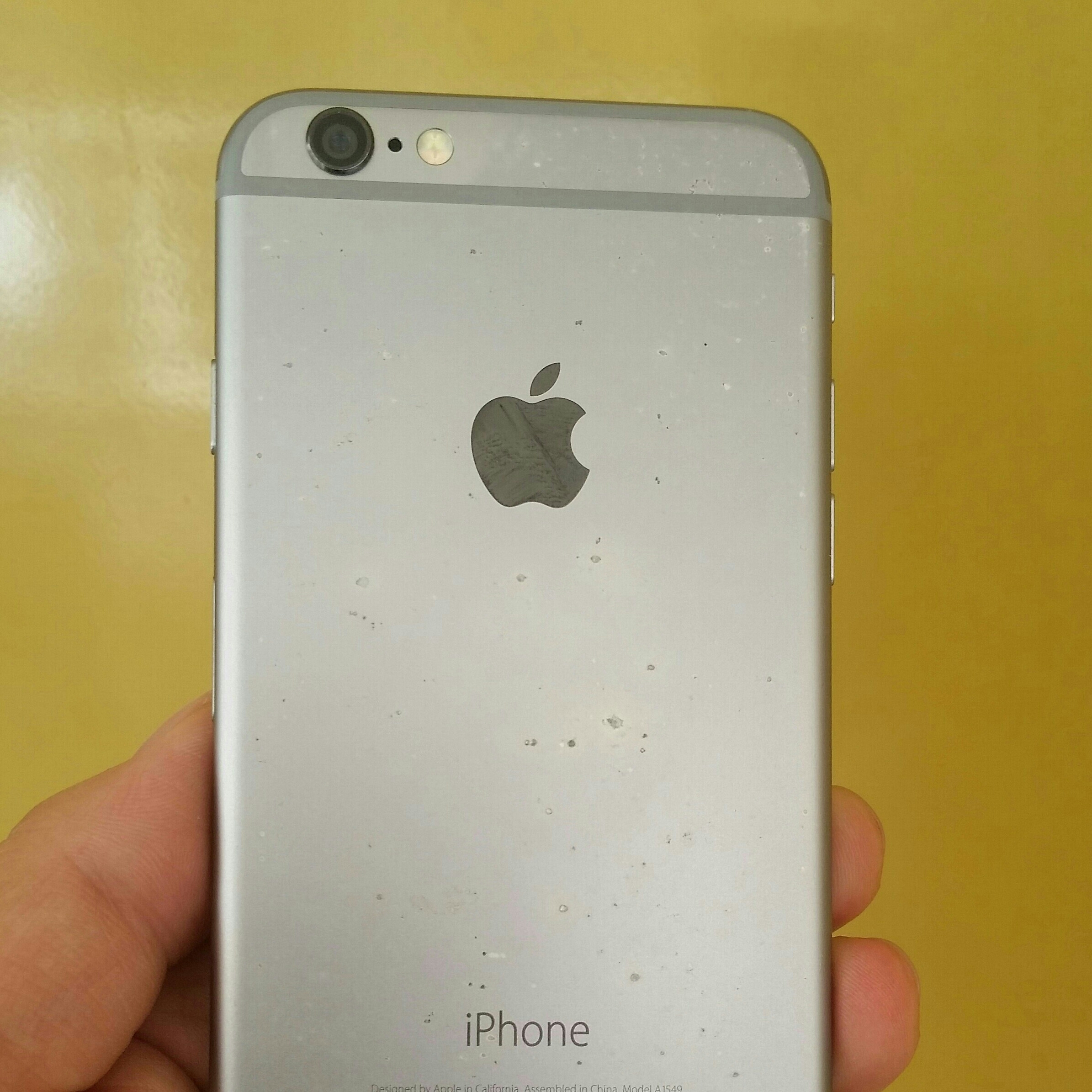 Apple ID Lock IPhone 6 Memory 64 GB  Parts Use, if U Have Ideas Open Lock, Mobile is Working.
