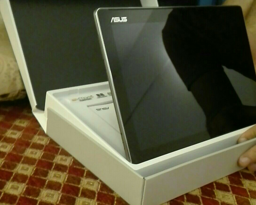 Asus Zen tab 10 . not used. box packed. without charger