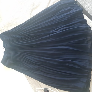Used Reiss full pleated skirt in Dubai, UAE