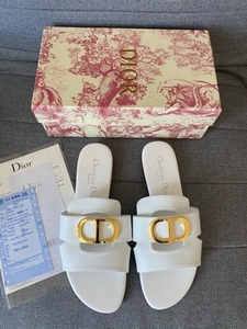 Used CD slippers Mastercopy size 40 in Dubai, UAE