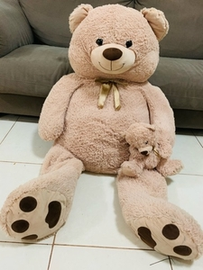 Used BIG TEDDYBEAR with small teddy in Hand in Dubai, UAE