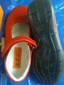 Used Girls school shoes 31. discount now in Dubai, UAE