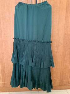 Used emerald color skirt in Dubai, UAE