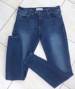 Used AUTHENTIC DL1961 FLORENCE SIZE 28 DEAL in Dubai, UAE