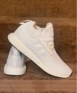 Used Adidas sneakers white size 43 new in Dubai, UAE