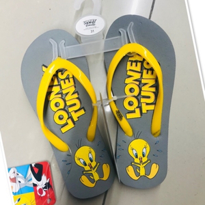 Used Looney Tunes rubber Sleepers size 31♥️ in Dubai, UAE