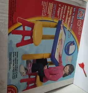 Used Sit n Draw Play Table Stool Brand New in Dubai, UAE
