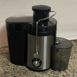Used Daewoo juice extractor in Dubai, UAE