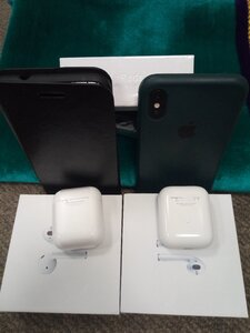 Used Apple Generation 2 One get One Free. in Dubai, UAE