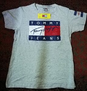 Used New TOMMY SHIRT 👚.       {} in Dubai, UAE